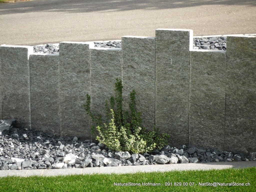 Iten-Steiner-Stelen-hell-klein-P1050748-stelen.jpg